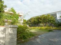 宮古島のゲストハウス ファミリア - 庭は広々としているようです