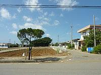宮古島の貸別荘がんずぅーやー - この道を入っていきます