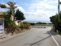 宮古島のヒルズヴィラ宮古島 - 高台にあるのでブリーズベイ越しに海も!?
