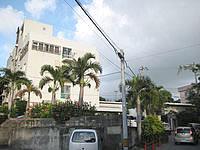 宮古島のホテル共和 - やや入り組んだ道の奥にあります - やや入り組んだ道の奥にあります