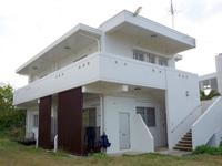 サンズガーデン・イン・パイナハマ(旧ペンション&ウィークリーぱいな浜)