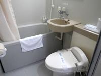 宮古島のオアシティー共和(旧ペンション スター) - 水回りは洗浄便座付きのユニット