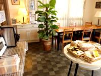 宮古島のプチホテルプレミア - 朝食はこんな感じ(無料サービスなので)