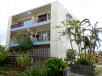 宮古島の民宿すかい/ペンションすかい - 客室側はまさにアパート