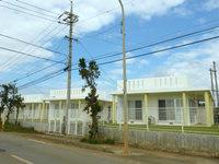 宮古島の貸別荘テマカヒルズ - 県営住宅に良くありそうな感じ