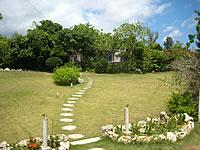 宮古島のVacation House T&K - 庭はキレイに施されています