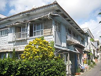 宮古島の琉球ゲストハウス  鶴美荘