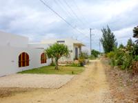 宮古島のトゥリバーリゾート/Twuriba Resort - 未舗装の脇道の奥にある宿