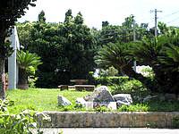 宮古島のゲストハウスゆくい - 庭が良い感じかも?