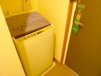 宮古島のホテルピースアイランド宮古島市役所通り - 部屋に洗濯&送風乾燥機付き