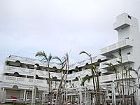 宮古島のリゾートペンション クルー - マンション的な外観