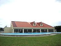 宮古島のウェルネスヴィラブリッサ(旧リゾートヴィラブリッサ) - 隣接するプール施設