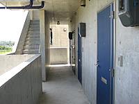 宮古島のリゾートウィークリーLaLa - コンクリート打ち放しの外観