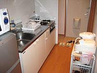 宮古島のリゾートウィークリーLaLa - キッチン廻りは食器もそこそこ有り