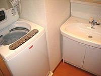 宮古島のリゾートウィークリーLaLa - 洗濯機は送風乾燥機能付き