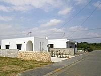 宮古島のパン屋の宿 コテージ・コッペ - パン屋の裏のきれいな建物
