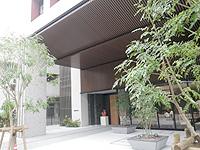 那覇のアルモントホテル那覇・県庁前(2016年開業予定) - 入口は広々している