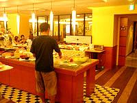 那覇のホテルサン沖縄 - 朝食バイキングはそこそこいい感じ