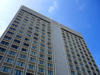 那覇のハイアットリージェンシー那覇沖縄(2015年7月開業予定/桜坂ホテル) - 低層部が一部張り出している