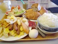 那覇のパシフィックホテル沖縄 - 朝食バイキングはお勧め。取りすぎ注意!