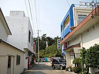 沖永良部島の民宿 海鏡/旅館海鏡 - プチ繁華街のような街並みです