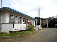 沖永良部島の大山野営場バンガロー - 多分これが管理センターです