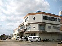 沖永良部島の観光ホテルえらぶシーワールド - 目の前には大きな防波堤があります