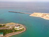 瀬長島の琉球温泉 瀬長島ホテル - 目の前に海を埋め立てた那覇空港第2滑走路・・・
