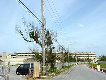 瀬底島の瀬底ビーチリゾート(2008年工事途中で破綻後廃墟化・その後森ビル系が再開発)