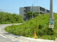 瀬底島のてぃーら・しーく/tilla SeaQ - 島に似つかわしくない豪華な建物