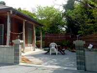 瀬底島のゲストハウスうちま - まさに庭付き一戸建てを借りる感じ