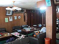 多良間島のちとせ旅館 - かつての入口すぐの共用の居間