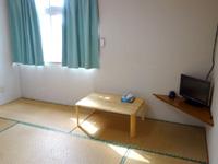 多良間島のペンションあだん - 本館の客室はいかにも離島の宿って感じ