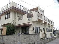 渡嘉敷島の民宿けらま荘 - 2階と3階にはテラスがあるみたい