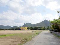 渡名喜島の民宿となき - 荒野の中にぽつんとある宿