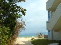 屋我地島の海人の宿 - まさにビーチサイドのアパート