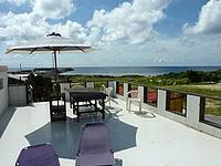 与那国島のよなぐにゲストハウス Fiesta/フィエスタ - 気持ちのいい屋上スペース