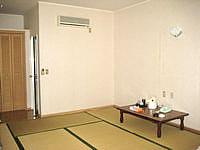 与論島のホテルヨロン島ビレッジ ペンションタイプ - 和室タイプもあるが映画とちょっと違う雰囲気