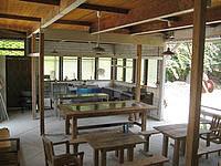 与論島のホテルヨロン島ビレッジ ペンションタイプ - 映画でお馴染みのオープンキッチン