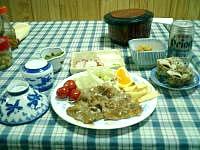 座間味島の民宿宮乃里 - 食事はごくごく普通。可もなく不可もなく。
