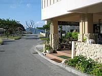 座間味島のペンションはまゆう - 海(港・ビーチ)までこの距離です