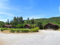 座間味島の座間味村体験滞在交流施設ウハマ - 森を切り開いた開発